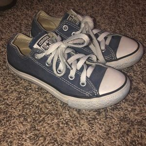 Girls convers size 12 low top
